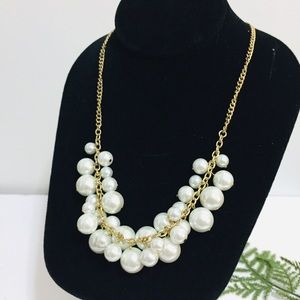 Stunning Pearl Necklace with Gold Tone Chain